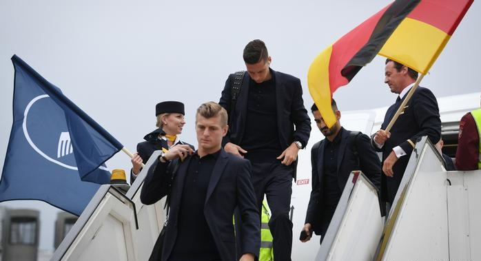 Skuad Sepak Bola JERMAN | geh vorwärts unnachgiebig de panzer